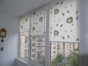 Установка рулонных штор на пластиковые окна в Рязани